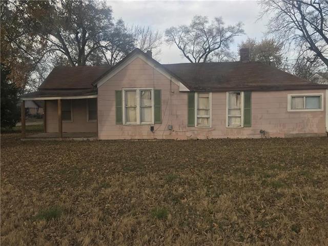 1127 S 38th Street, Kansas City, KS 66106 (#2139717) :: House of Couse Group