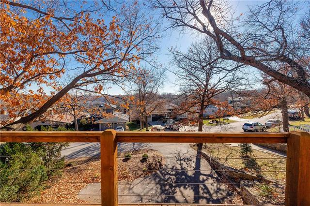 140 Terrace Trail, Lake Quivira, KS 66217 (#2141509) :: Team Real Estate