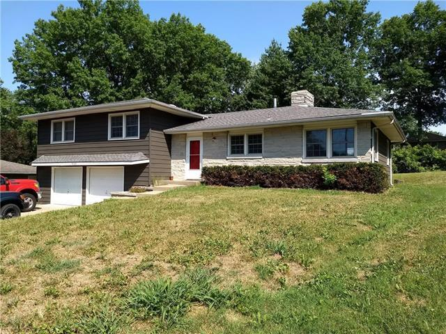 822 Magnolia Court, Liberty, MO 64068 (#2144076) :: Edie Waters Network