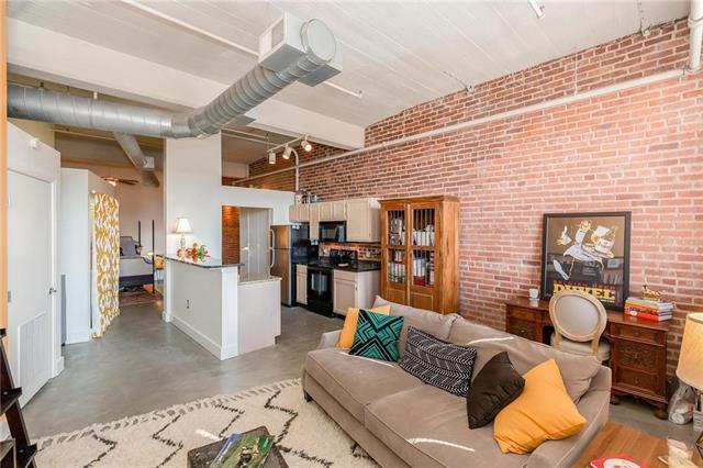 200 Main Street #301, Kansas City, MO 64105 (#2148035) :: Eric Craig Real Estate Team