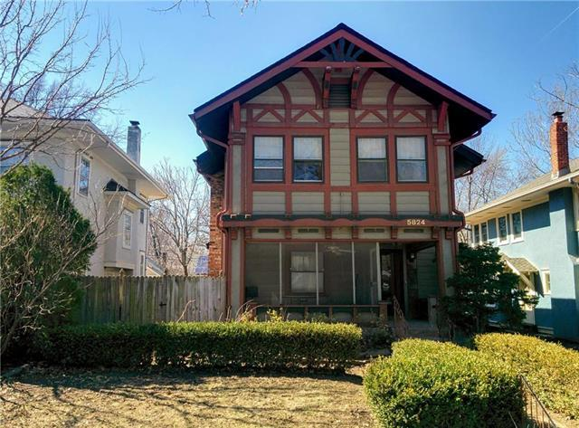 5824 Locust Street, Kansas City, MO 64110 (#2151733) :: Edie Waters Network