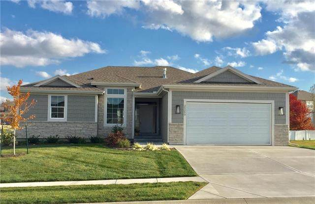 25259 W 83rd Terrace, Lenexa, KS 66227 (#2152049) :: House of Couse Group