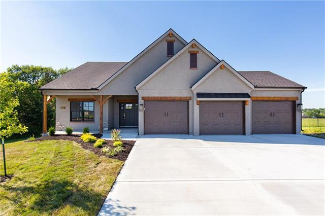 1800 Falcon Court, Kearney, MO 64060 (#2155532) :: Clemons Home Team/ReMax Innovations