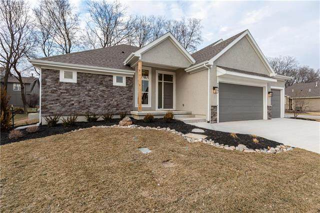 10600 W 132nd Place, Overland Park, KS 66213 (#2163023) :: House of Couse Group