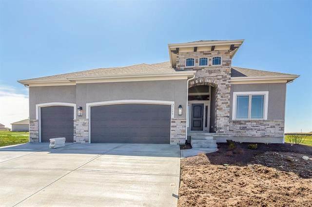 11230 S Violet Street, Olathe, KS 66061 (#2180812) :: Team Real Estate