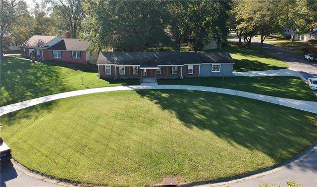 11803 Markham Road, Independence, MO 64052 (#2194396) :: Clemons Home Team/ReMax Innovations
