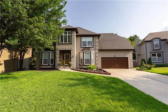 10809 W 128th Place, Overland Park, KS 66213 (#2328377) :: Austin Home Team
