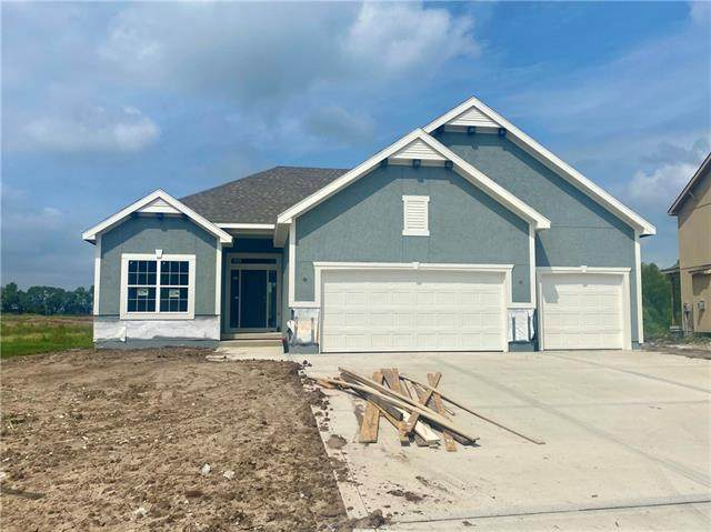 19004 W 189th Street, Spring Hill, KS 66083 (#2330447) :: Tradition Home Group   Compass Realty Group