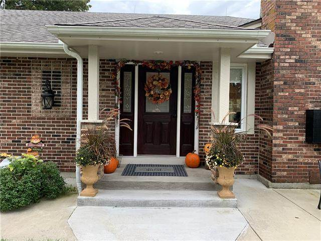 3805 E 187th Street, Belton, MO 64012 (#2338618) :: Five-Star Homes