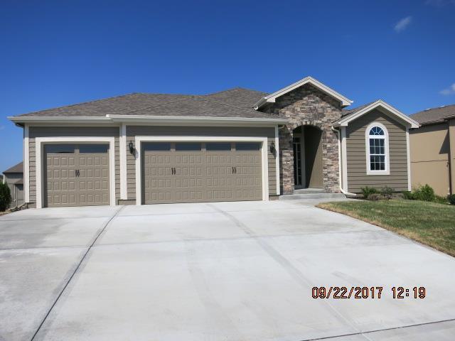 5724 N Kirkwood Avenue, Kansas City, MO 64151 (#2028038) :: Edie Waters Team