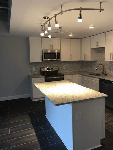 2980 Baltimore Avenue #2304, Kansas City, MO 64108 (#2031676) :: No Borders Real Estate
