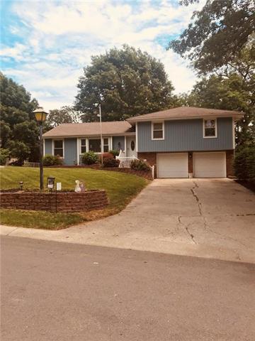 105 Tuscarora Lane, Lake Winnebago, MO 64034 (#2088728) :: Edie Waters Network