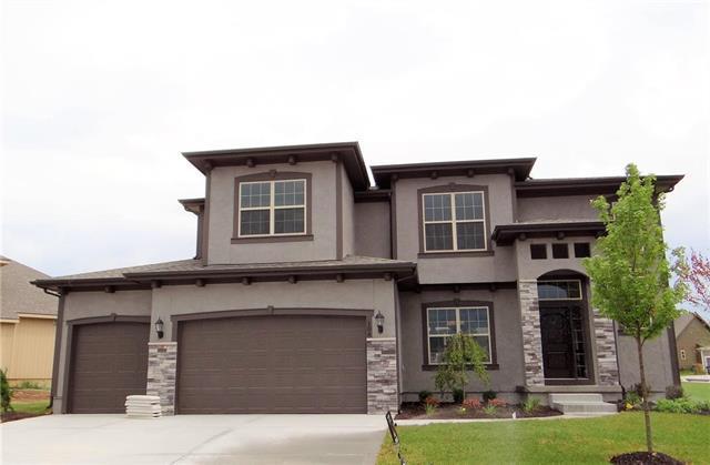104 SE Riley Street, Blue Springs, MO 64064 (#2094616) :: No Borders Real Estate