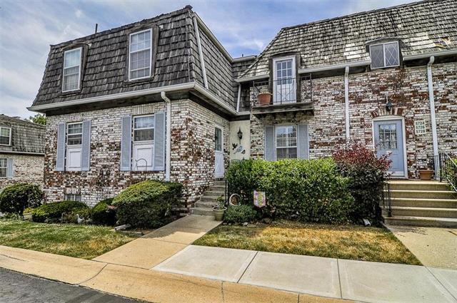 5726 Metcalf Court, Overland Park, KS 66202 (#2111622) :: Team Real Estate