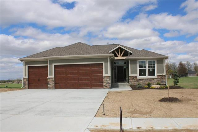 15520 Lakeside Drive, Basehor, KS 66007 (#2128966) :: House of Couse Group