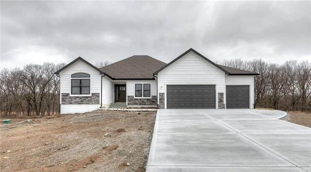 13016 Jacob Lane, Kearney, MO 64060 (#2177579) :: Team Real Estate