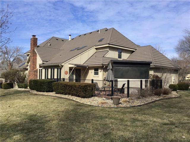 11001 W 125th Place, Overland Park, KS 66213 (#2204259) :: The Shannon Lyon Group - ReeceNichols