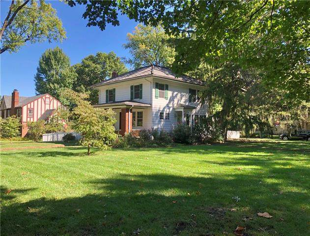 7341 Terrace Street, Kansas City, MO 64114 (#2216657) :: Dani Beyer Real Estate