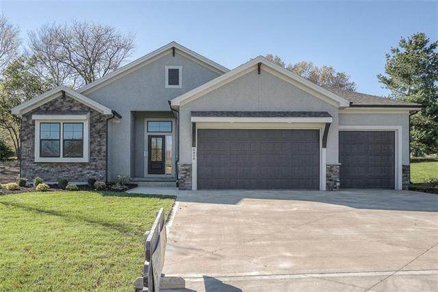 1610 SW Blackstone Place, Lee's Summit, MO 64082 (#2235208) :: House of Couse Group
