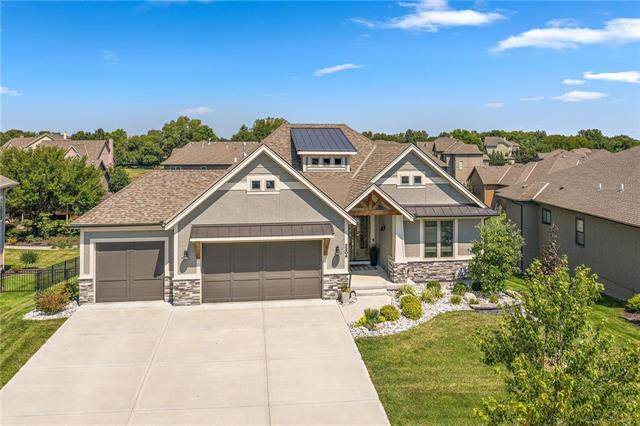 3204 W 156th Street, Overland Park, KS 66224 (#2247108) :: Five-Star Homes