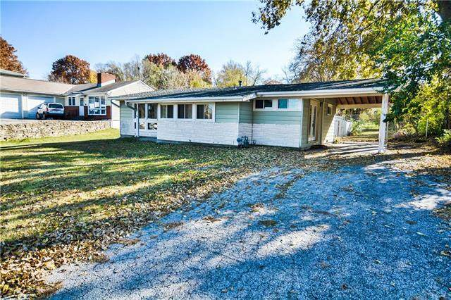 9801 E 33 Street, Independence, MO 64052 (#2250470) :: The Shannon Lyon Group - ReeceNichols