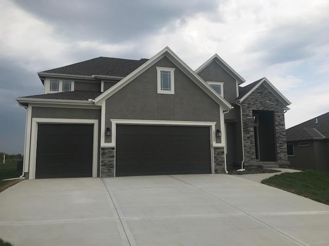 20320 W 79th Terrace, Shawnee, KS 66218 (#2079616) :: Edie Waters Network