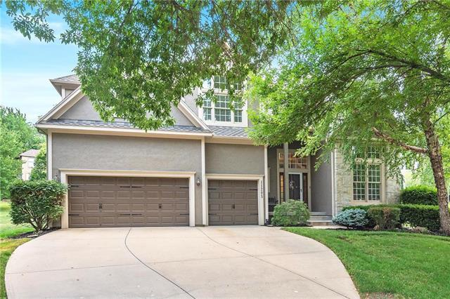 11205 W 140 Place, Overland Park, KS 66221 (#2117345) :: Edie Waters Network