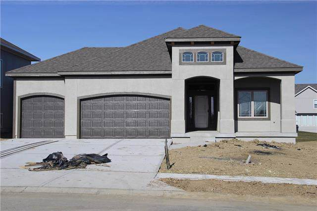 8024 W 166 Place, Overland Park, KS 66085 (#2168154) :: The Shannon Lyon Group - ReeceNichols