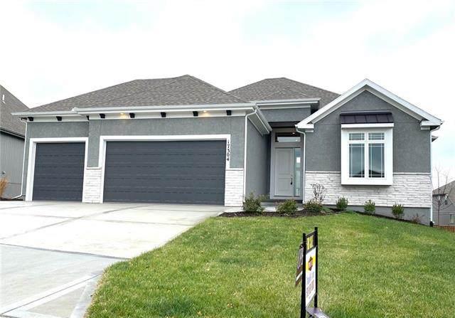 17304 Noland Street, Overland Park, KS 66221 (#2224530) :: House of Couse Group
