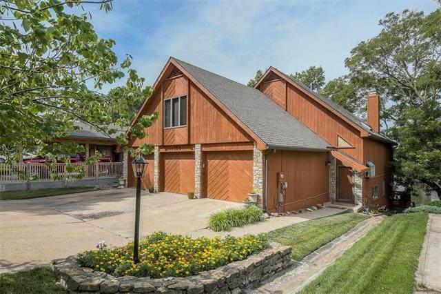 155 NW North Shore Drive, Lake Waukomis, MO 64151 (#2230381) :: Austin Home Team