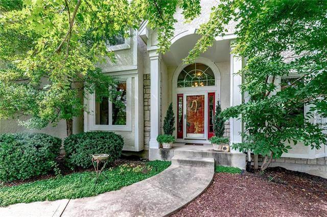14710 England Street, Overland Park, KS 66221 (#2244249) :: Ron Henderson & Associates