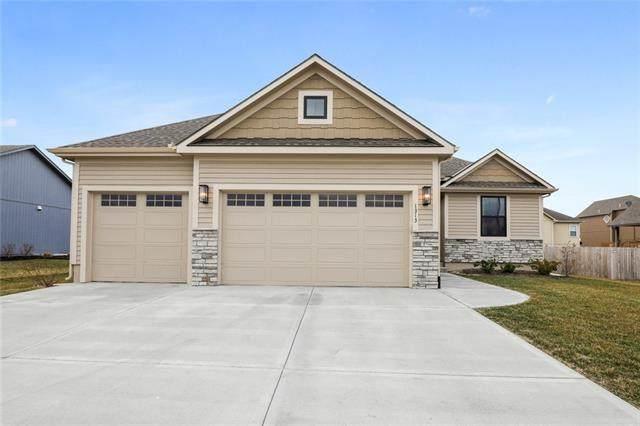 1313 N 4th Street, Louisburg, KS 66058 (#2308176) :: Dani Beyer Real Estate