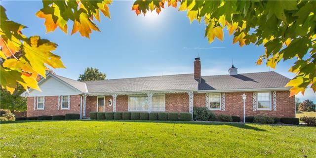 9805 Betsy Ross Lane, Liberty, MO 64068 (#2065558) :: Edie Waters Team
