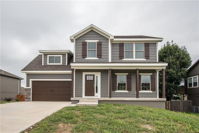 424 Spring Branch Drive, Raymore, MO 64083 (#2088477) :: Edie Waters Network