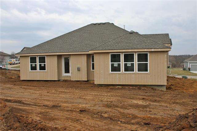 15266 Bradfort Court, Basehor, KS 66007 (#2122450) :: House of Couse Group