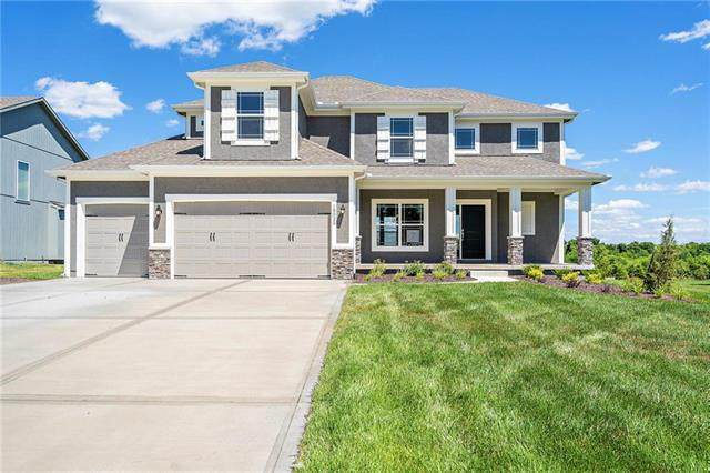 19025 Skyview Lane, Spring Hill, KS 64083 (#2190601) :: House of Couse Group