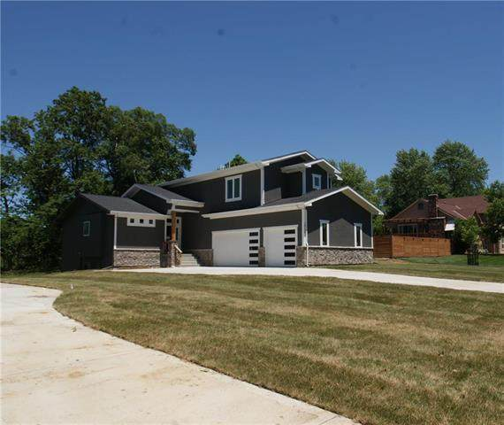 10104 NW 72nd Terrace, Weatherby Lake, MO 64152 (#2199747) :: House of Couse Group