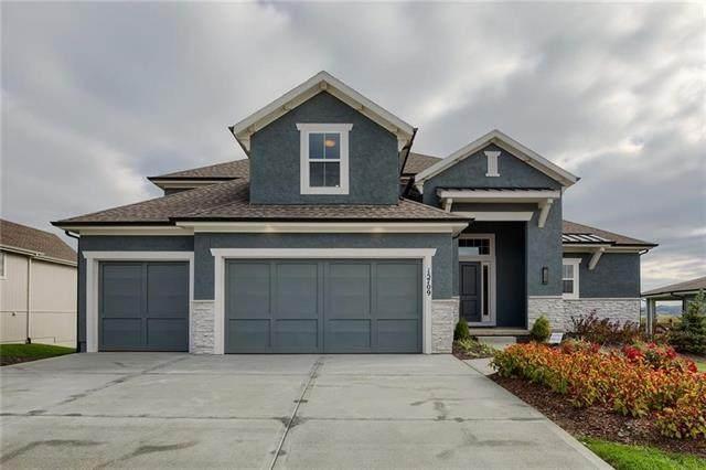 15910 W 163rd Terrace, Olathe, KS 66062 (#2320330) :: Austin Home Team