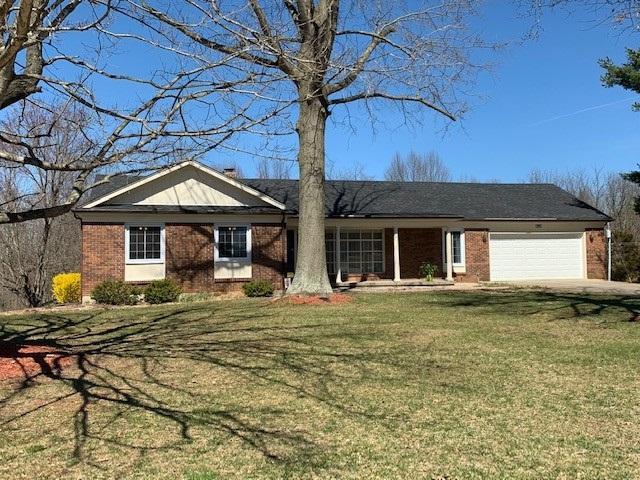 613 Foxfire Road, ELIZABETHTOWN, KY 42701 (#10047426) :: Keller Williams Louisville East