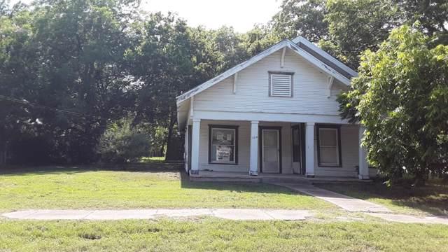 327 N Wills St, WILLS POINT, TX 75169 (MLS #89184) :: Steve Grant Real Estate