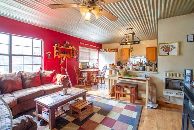 8220 Hogs Fork Rd, TOOL, TX 75143 (MLS #89257) :: Steve Grant Real Estate
