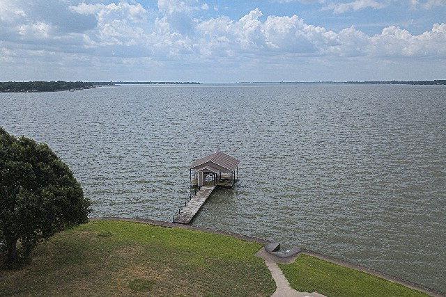 207 Seaside Drive, GUN BARREL CITY, TX 75156 (MLS #84040) :: Steve Grant Real Estate