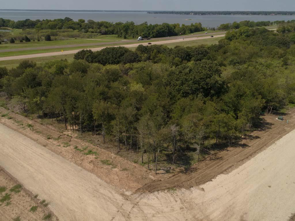 100 Lakeview Tr - Photo 1