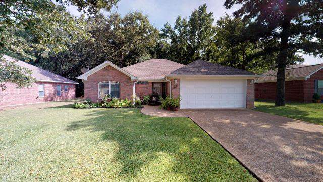 139 Cedar, CHANDLER, TX 75758 (MLS #89182) :: Steve Grant Real Estate