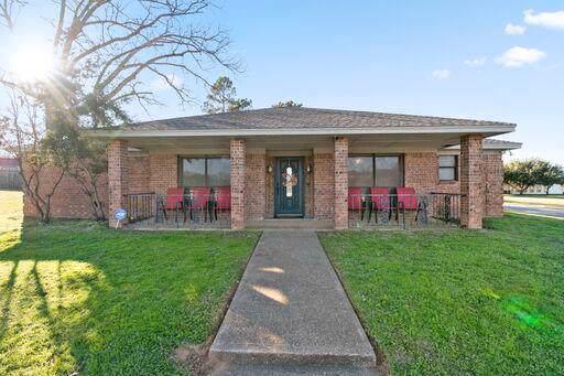 269 Colonial Circle, ATHENS, TX 75751 (MLS #90273) :: Steve Grant Real Estate