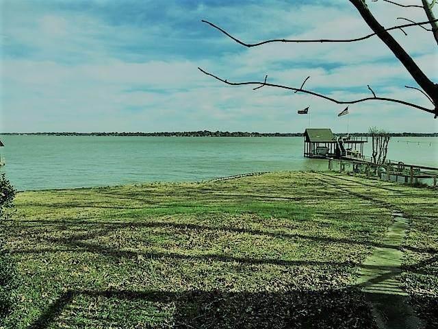 209 Lake Drive - Photo 1