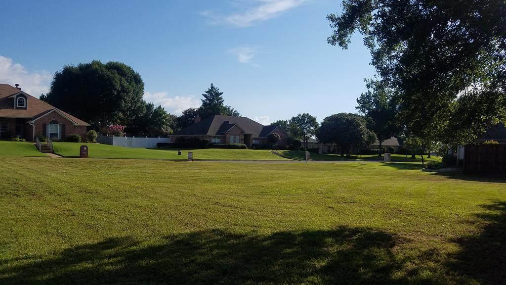 904 Dove Creek Drive - Photo 1