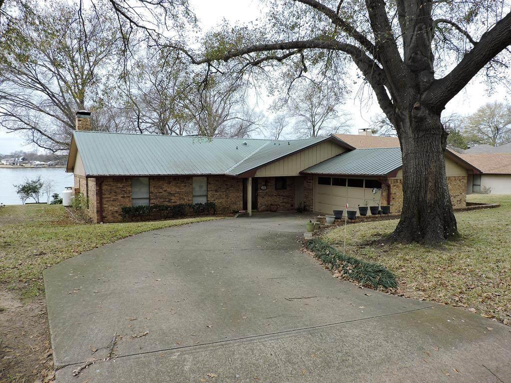 209 Hickory Creek Circle - Photo 1
