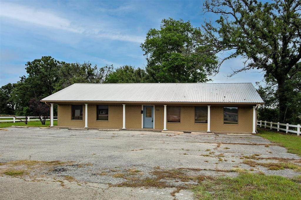 720 State Hwy 274 - Photo 1