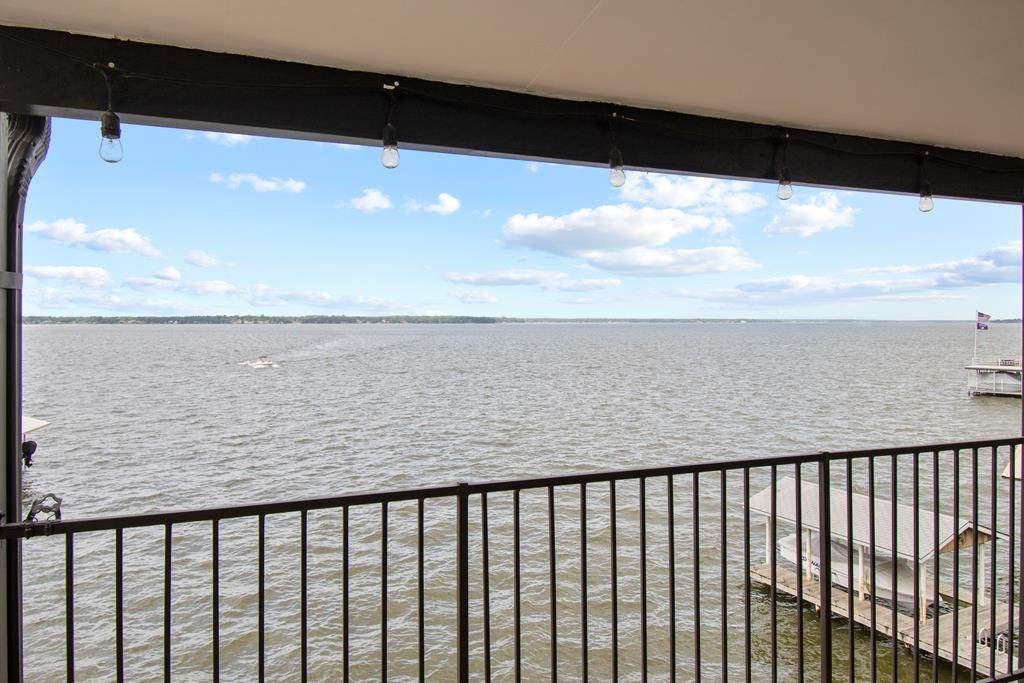 160 Peninsula Point Terrace C-3 - Photo 1